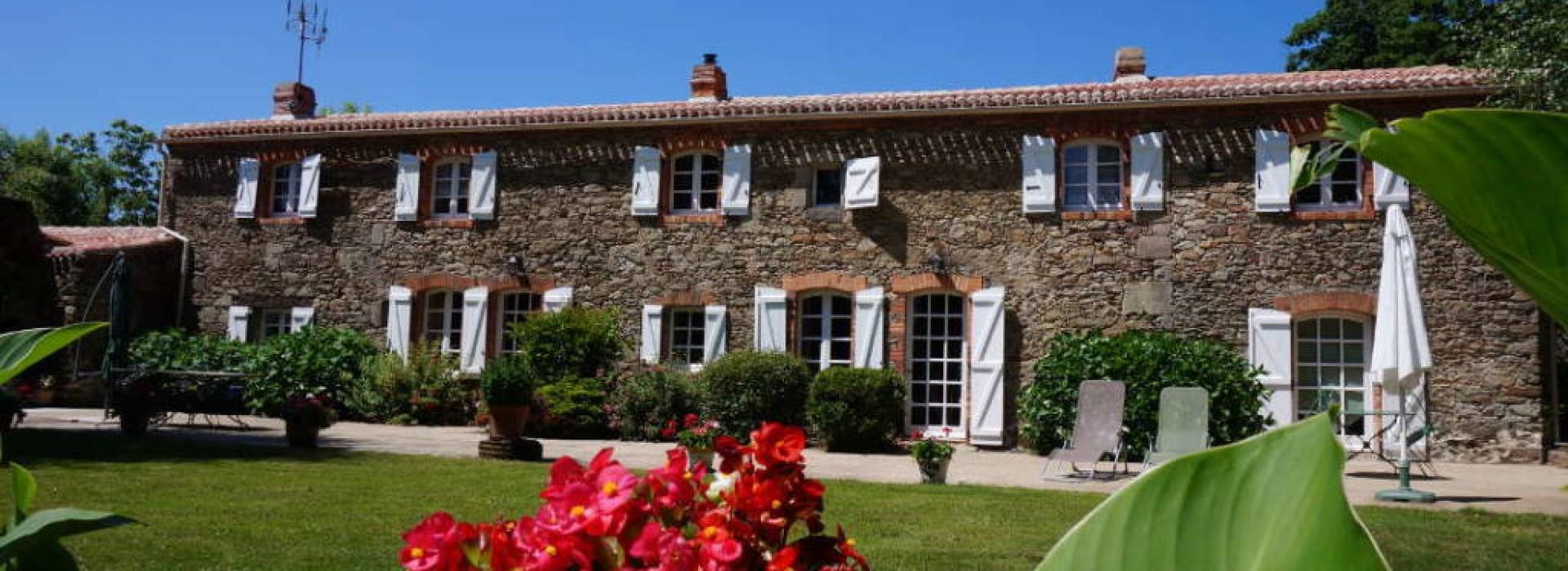 Chambre d 39 hotes la mozardiere g stezimmer frankreich for Chambre d hote xanton chassenon
