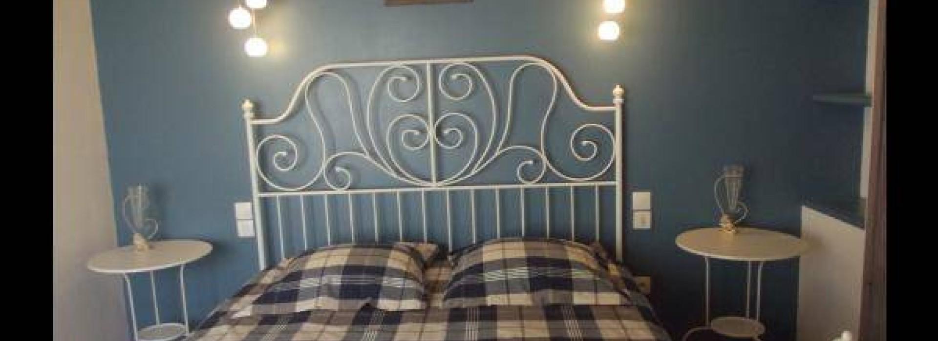 chambres d 39 hotes le clos fleuri chambre pervenche sur l 39 ile de noirmoutier g stezimmer. Black Bedroom Furniture Sets. Home Design Ideas
